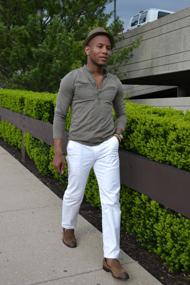 White Chinos   The Non-Nautical Way  388b331aa1e59