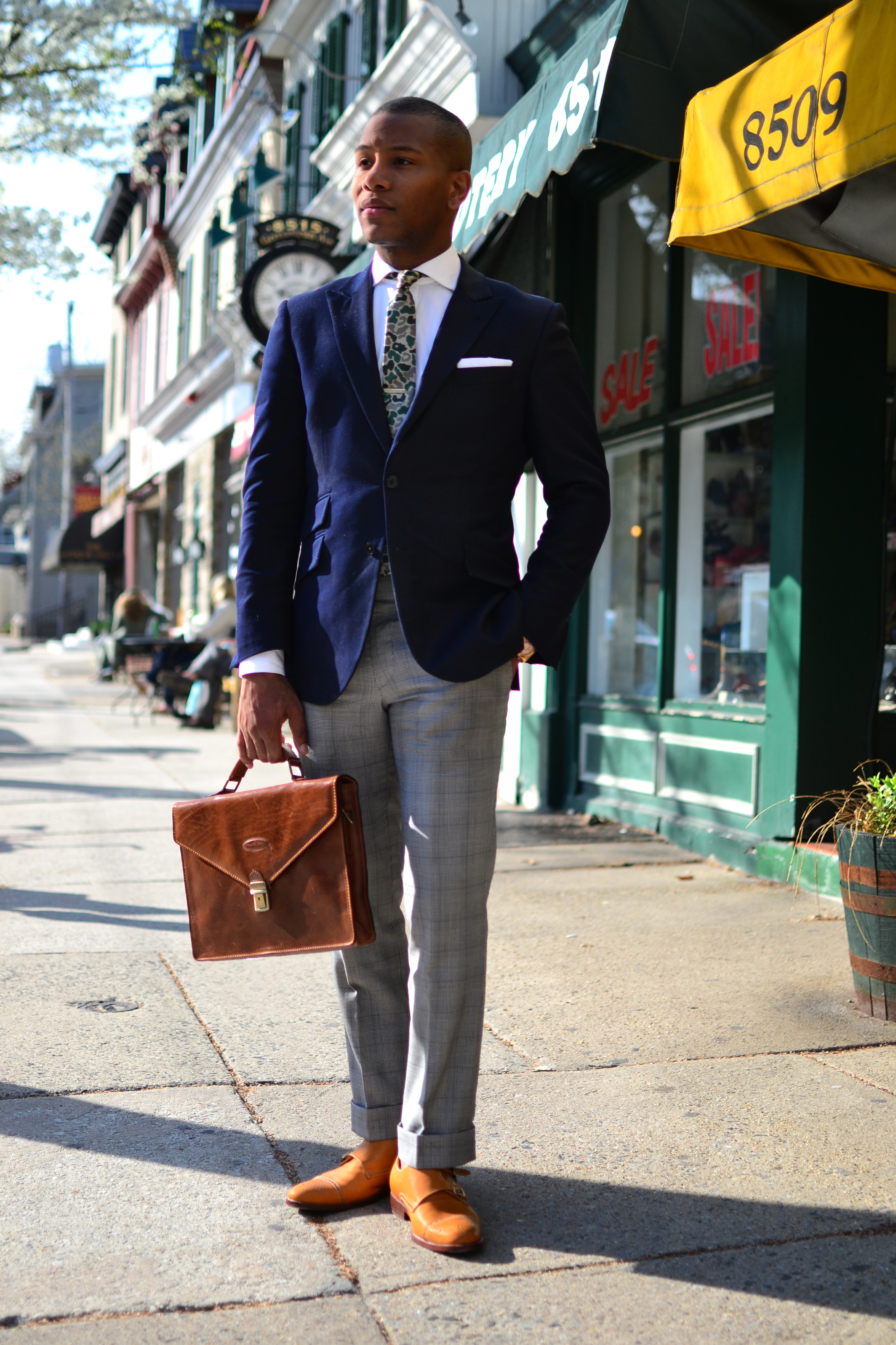 Sabir Peele in Cutaway Collar shirts by Hugh & Crye