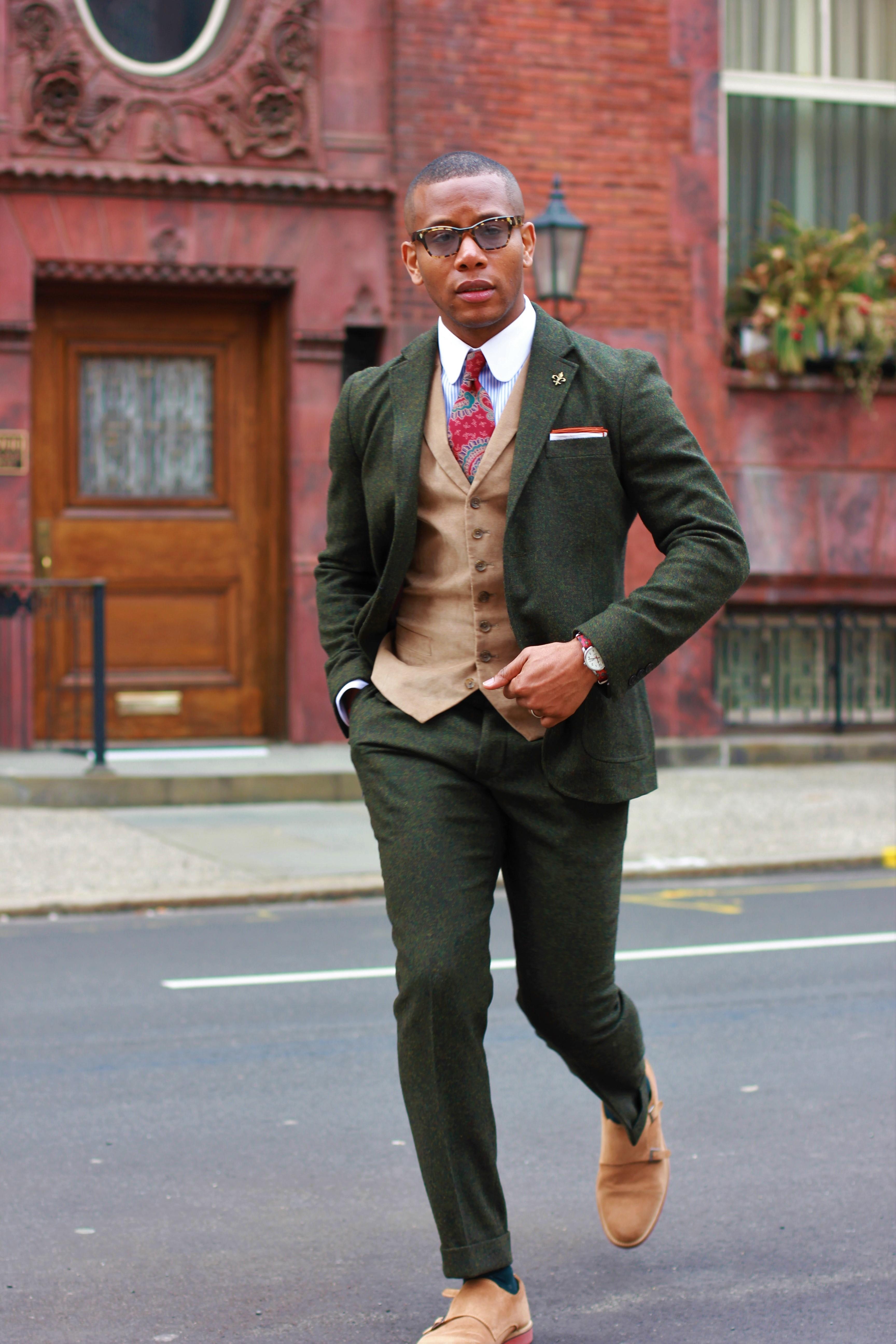 Sabir M. Peele of Men's Style Pro in Frank & Oak Green Tweed Suit