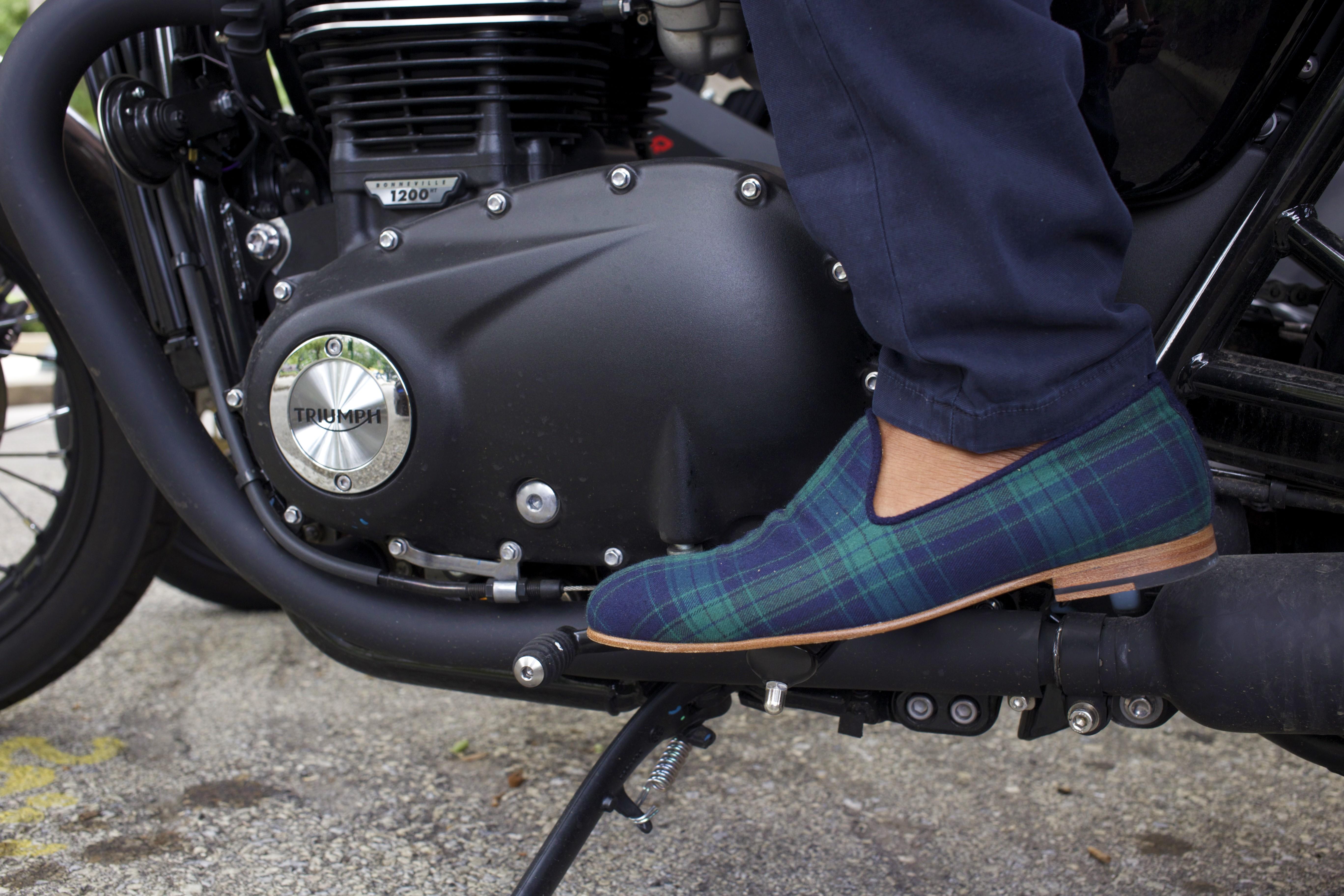 Sabir M. Peele of Men's Style Pro wearing The Napa Slipper close up moto
