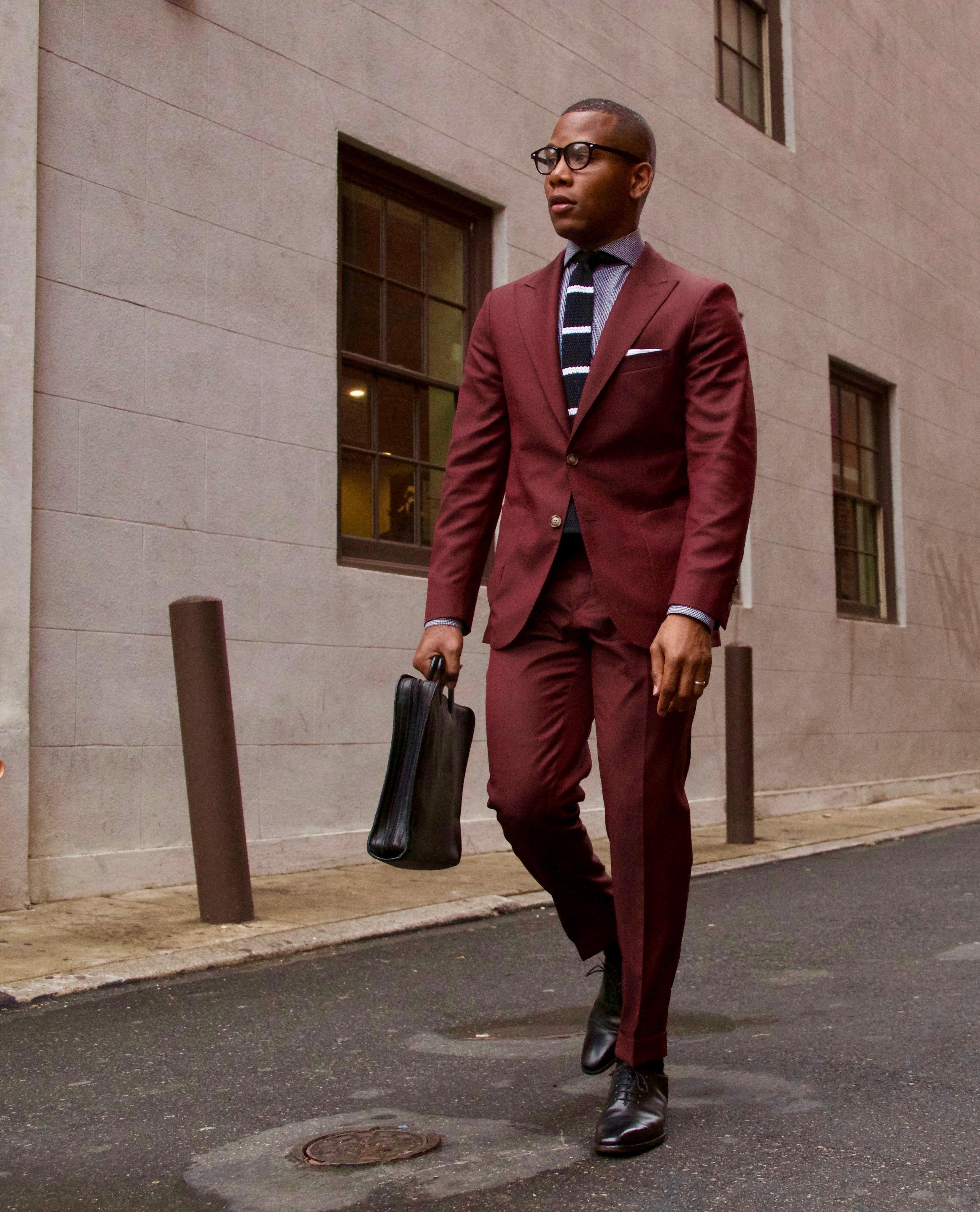 Sabir Peele in Oliver Wicks Burgundy Suit