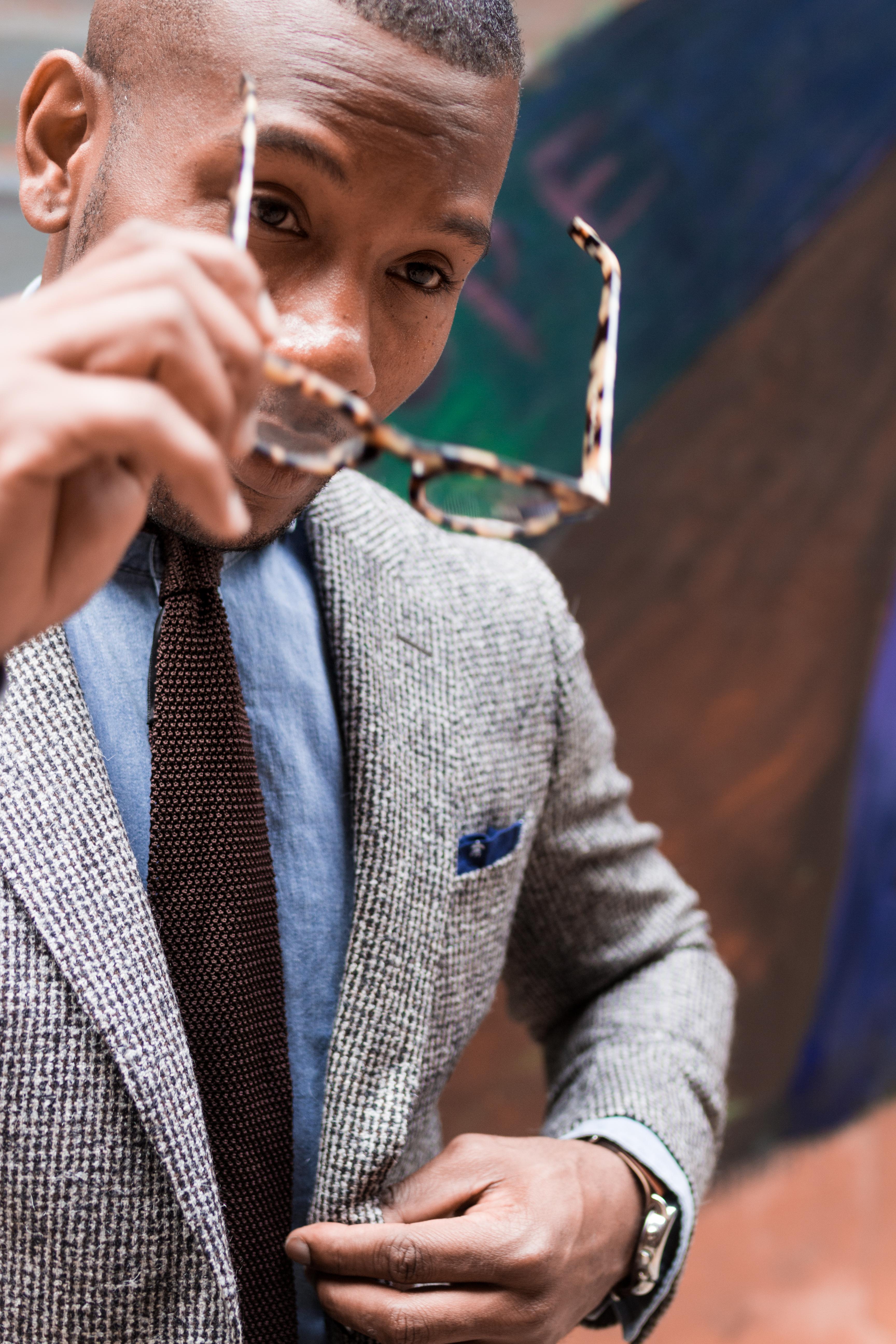 Sabir M. Peele in Suitsupply Houndstooth Wool Suit