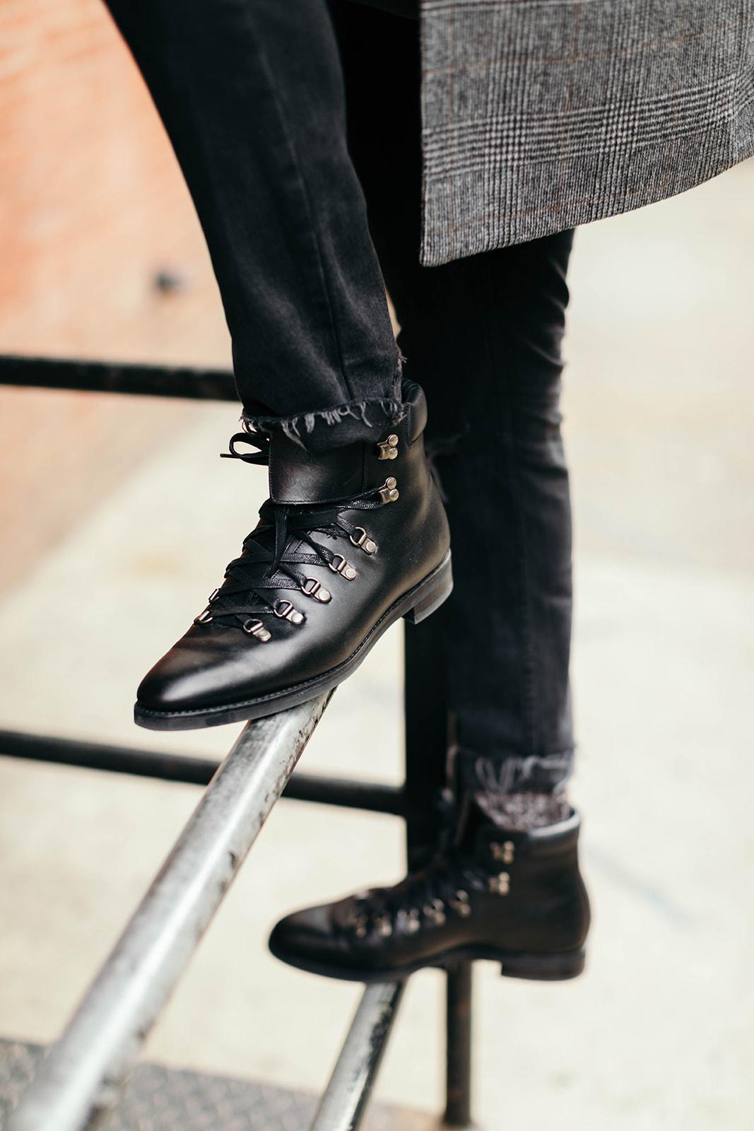 Sabir M. Peele in J.Fitzpatrick Snoqualmie Black Boots